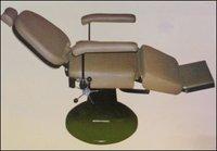 Elegantly Designed Bed Type Salon Chair