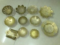 Fancy Brass Table Bowls And Plates