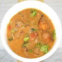 Karuveppilai Kulambu (Curry Leave Gravy)